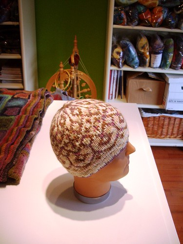 Reflection hat made with handspun yarn-4