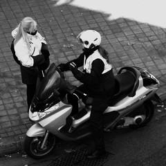 003789 - Vigilantes (M.Peinado) Tags: blackandwhite bw copyright byn blancoynegro olympus moto ora vigilantes 2010 vigilante cuadrado vehculo formatocuadrado olympussp800uz 26112010 noviembrede2010