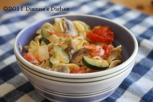 Creamy Egg Noodles With Veggies