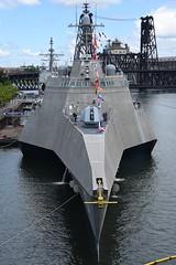 USS Jackson (LCS 6) (swong95765) Tags: navy ship uss jackson lcs6 fleetweek river