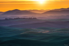 Dawn Phenomenon (Hilton Chen) Tags: haze spring colfax sunrise colorfulsky backlight steptoebutte rollinghills fog wheatfields palouse washington oakesdale unitedstates us