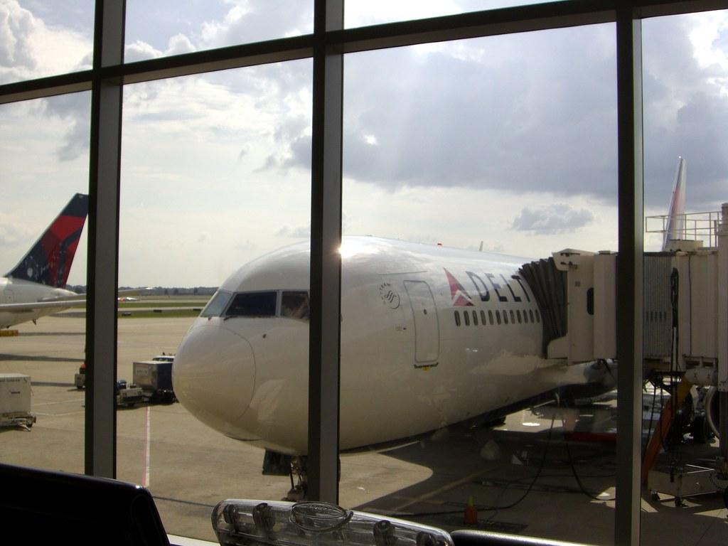 Delta Flight 124 to Brussels