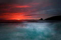 Surreal Congruence (jasontheaker) Tags: light sunset summer holiday seascape clouds landscape cornwall atlantic padstow 2010 trevosehead trevone jasontheaker noihaventgonemad