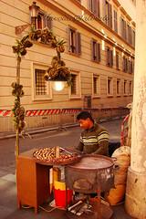 Vendor (Marcia Salviato) Tags: street italy rome roma travels holidays europe italia perspective marcia eu it perspectiva rua viagens ferias vacanze streetvendor h9 duetos vendedorderua salviato marciasalviato