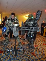 DragonCon 2010 183 (Evil Benius) Tags: costume cosplay halo armor turret gravityhammer dragoncon2010