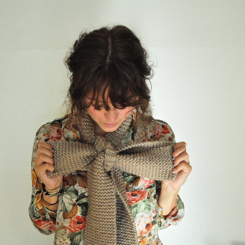 BOW-scarf