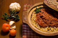 spaghetti 2 (mhchipmunk) Tags: dinner tomatoes pasta garlic spaghetti tomatosauce oregano foodbeverage