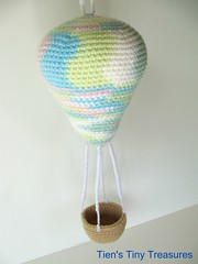 Amigurumi Hot Air Balloon Toy