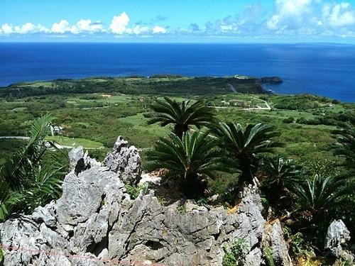 大石林山の上から見た辺戸岬