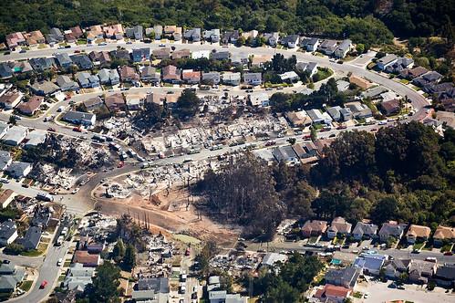 フリー写真素材, 社会・環境, 災害, 都市・街, 住宅・マンション, 火災・火事, アメリカ合衆国, カリフォルニア州,