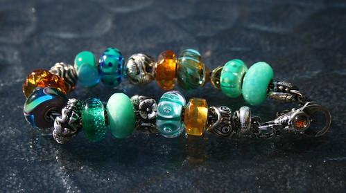 Green and amber bracelet 4978639371_d89cf2b592