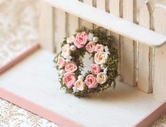 Dollhouse Miniature 1/12 Scale Pink Rose Wreath