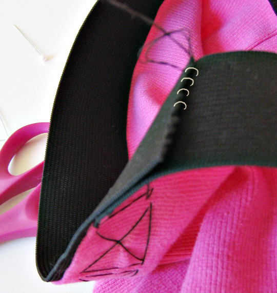 DIY wang bra top -8, crop tank, black and pink