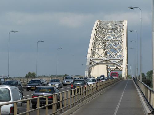 073-nijmegen-bridge