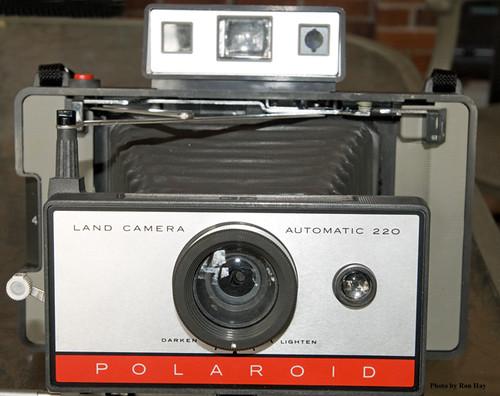 Polaroid Land Camera Automatic 220