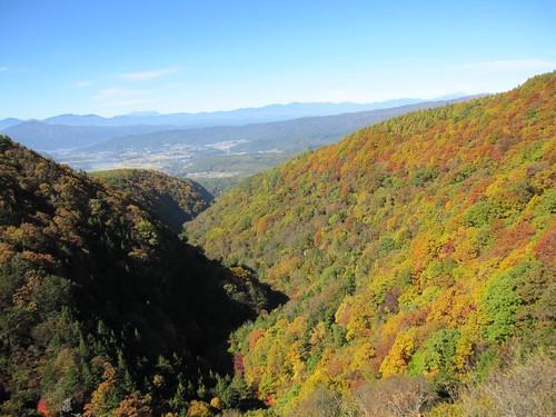 横谷峡と向こうに木曾御嶽山他 2009年10月21日 by Poran111