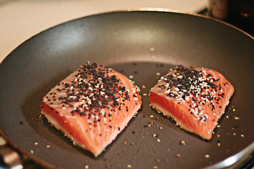 salmon in the skillet