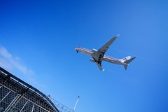 Clearance (Chris Saulit) Tags: california airplane airport san downtown sandiego aircraft landing international socal american commercial boeing approach americanairlines aa 737 finalapproach ksan 737823 n836nn