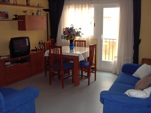 Piso en el centro de Benidorm con 3 dormitorios, muy soleado, reformado, para entrar a vivir. Pida más información en su agencia inmobiliaria Asegil de Benidorm  www.inmobiliariabenidorm.com