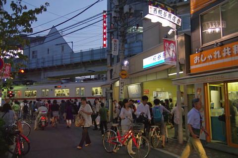 京急空港線の高架工事や 糀屋