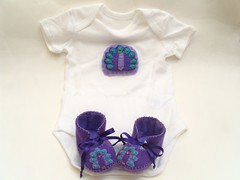 peacock baby gift set (Funky Shapes) Tags: baby girl purple peacock babybooties babygiftset handmadebabybooties feltbabybooties wholesalebaby babyuk