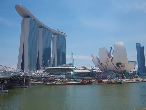 Marina Bay Sands resort and the Arts Science Museum