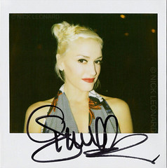 Gwen Stefani (Nick Leonard) Tags: city vegas portrait celebrity film beautiful polaroid pretty artist lasvegas gorgeous signature nevada nick singer polaroidspectra waxmuseum nodoubt madametussauds thevenetian gwenstefani muscian instantfilm meetandgreet spectrafilm 1200film nickleonard theimpossibleproject gwenstefaniwaxfigureunveiling