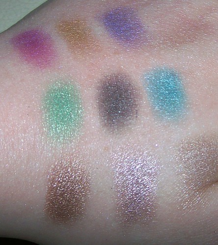Urban Decay Deluxe palette swatches