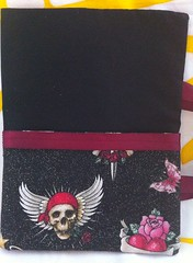 black skulls pocket 1