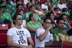 Life is Fun (Gerardography) Tags: blue color green colors contrast stadium colores estadio contraste wayfarer rayban