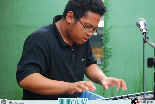 David-Manuhutu-n-Friends-Sunday-Jazz-October-2010 (9)