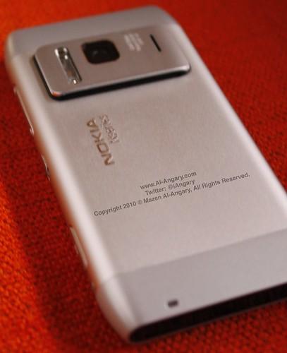 Nokia_N8_Back1