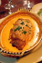Quenelle de brochet de Lyon et sa sauce Nantua