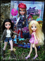 New Girls!!! from Fashion Iconz (Carol Parvati ) Tags: party lexa avery picnik bratz cloe moxiegirlz carolparvati