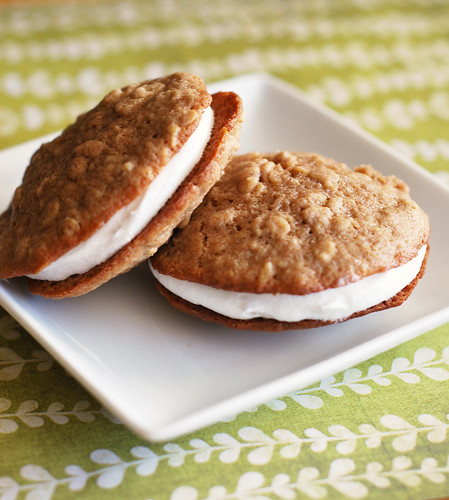 hate whoopie pies. I think they are the lame cousin of the moonpie ...