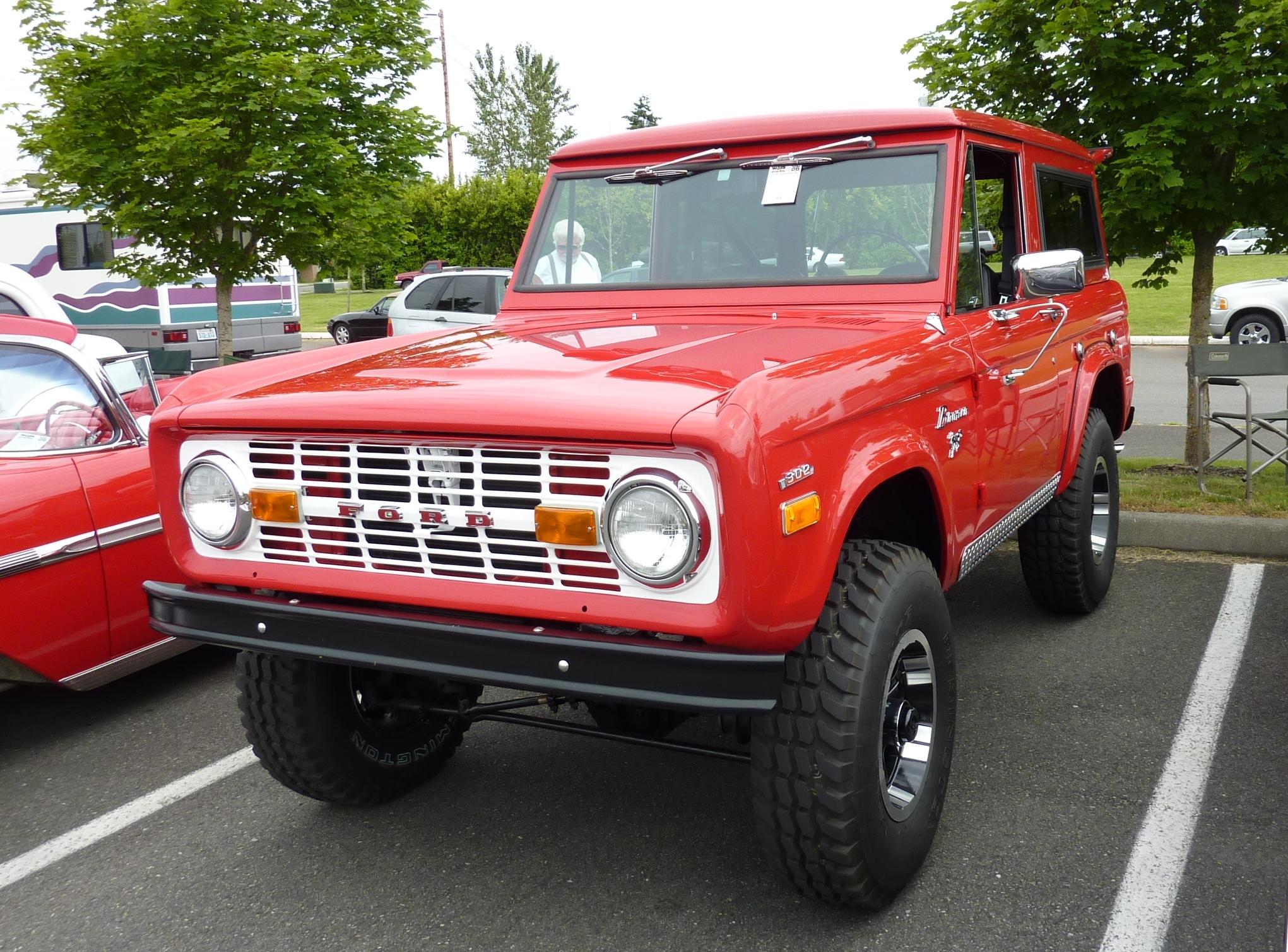 1971 Ford Bronco Interior 1971 Ford Bronco 1920 x 1080