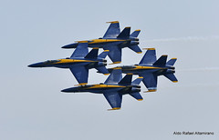 Blue Angels (Rafakoy) Tags: show newyork beach digital airplane fly aircraft air flight navy jet airshow demonstration hornet f18 douglas combat blueangels jonesbeach 2010 squadron mcdonnell fa18 unitedstatesnavy multirole nikond90 mcdonnelldouglasfa18hornet multirolecombataircraft afsnikkor18105mmvr bethpageairshow aldorafaelaltamirano rafaelaltamirano aldoraltamirano