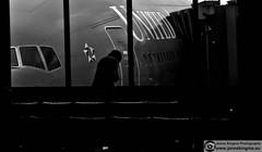 United Airlines terminal Washington Dulles International Airport (Just a guy who likes to take pictures) Tags: street door portrait people bw en usa white black monochrome lines silhouette america plane airplane photography star fly us flying dc washington und airport dulles waiting phone candid room seat air united cellphone bodylanguage cockpit terminal line international human seats infrastructure wait vs states boeing van airlines amerika calling flugzeug zwart wit weiss schwarz gsm staten aero wachten silhouet ua deur alliance vliegtuig fliegen zw vlieg stoelen vliegen staralliance tuig verenigde wacht infrastructuur wachtkamer gateunited