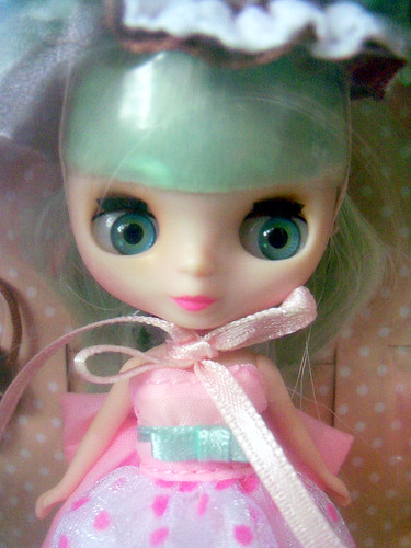 Petite Blythe Suzie Sugar in the Box (2)