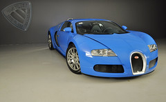 Bugatti Veyron (Niels de Jong) Tags: blue bw canon eos interesting nikon automobile shoot photoshoot den sigma commons explore exotic website van polarizer popular bugatti 18200 exclusive supercar dealership vr circular ijssel aan dealer cardealer veyron pol vliet vanvliet nieuwerkerk 1685 explored polarisatiefilter hypercar nielsdejong d5000 1000d personenautos vanvlietpersonenautos ndjmedia