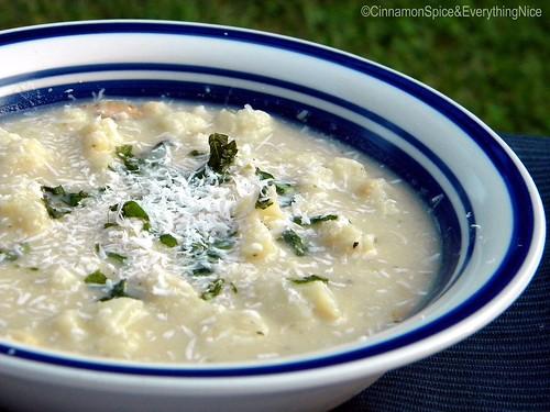 Creamy White Bean, Cauliflower and Bacon Soup