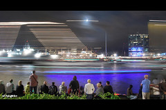 Shipspotting (JdJ Photography (Aardewerk)) Tags: city light people moon holland wet water netherlands amsterdam night river dark boats evening licht europa europe sailing ships crowd north nederland kantoorgebouw officebuilding nat boten sail avond spectators mokum province stad ij crowded noordholland donker druk noord mensen lotsofpeople benelux rivier schepen maan randstad varen publiek amsterdamnoord ijriver provincie northholland amsterdamnorth toeschouwers ijplein hrmstromp noordwal veelmensen nautischevenement nauticevent eenselke5jaar onceevery5years