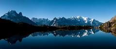 Massif du Mont Blanc (Le Marin de Gibraltar) Tags: schnee mountain lake snow reflection berg montagne see lac reflet neige chamonix lacdeschesery