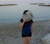 Silenzio stampa. (Kla!!) Tags: ocean sea girl newspaper italia quiet hide silence marche viso faccia nascosto giornale coperto rgazza