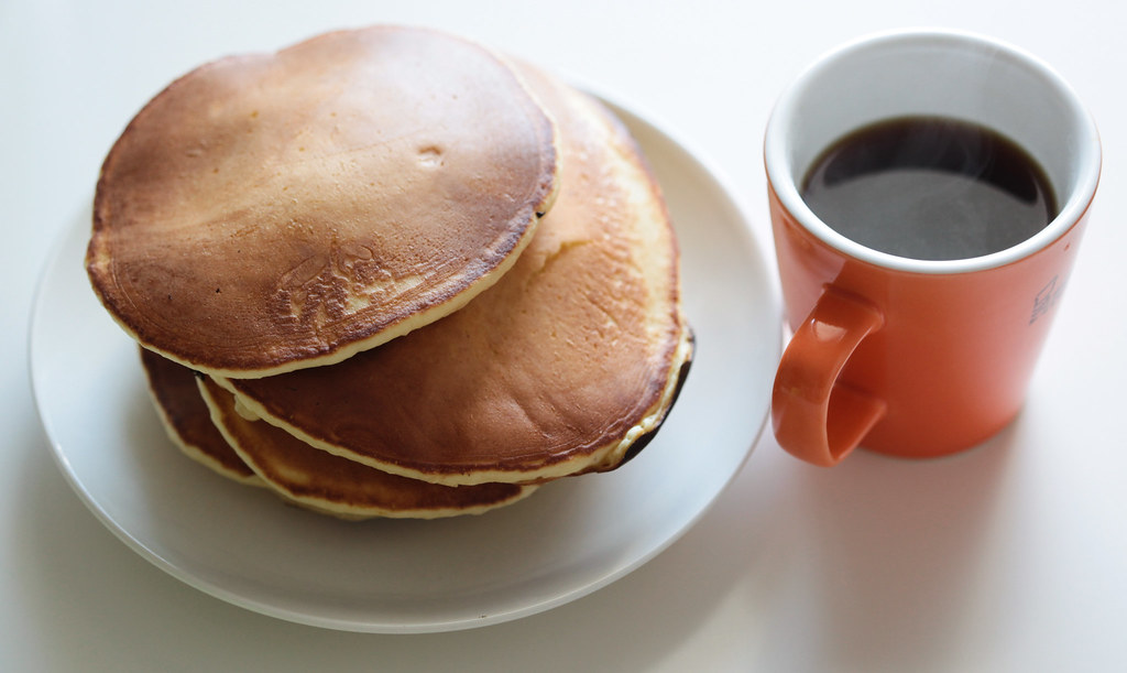Hotcakes and coffee