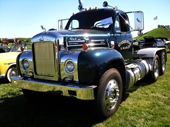 Mack Tow Truck (Cragin Spring) Tags: old classic vintage illinois midwest shine retro trucks mack carshow towtruck towing mchenrycounty