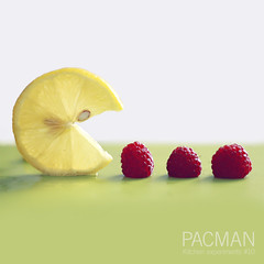Kitchen experiments #10 (mickiky) Tags: stilllife macro verde green kitchen yellow fruit lemon giallo pacman raspberry limone cucina lamponi