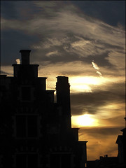 Dramatic sunset... (mau_tweety) Tags: light sunset sky house clouds belgium g