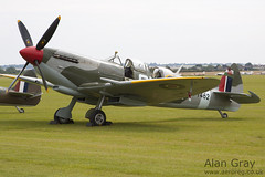 G-CTIX VICKERS SUPERMARINE SPITFIRE T9 unknown PRIVATE - 100905 Duxford - Alan Gray - IMG_1910