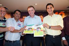 Ricardo assina Pacto da Juventude (40) (Ricardo Ferraço) Tags: propaganda da ricardo politica 156 juventude senador pacto assina
